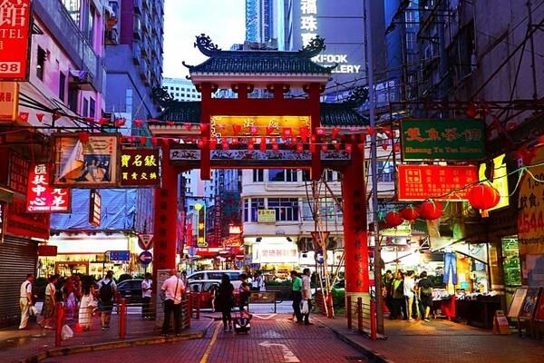рынок Темпл Стрит - достопримечательности Гонконга - фото